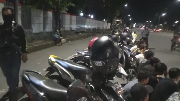 Polisi Bubarkan Balap Liar di Makassar