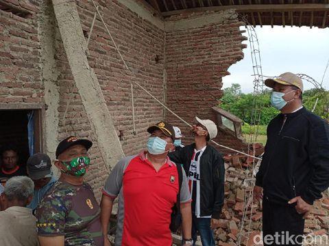 Puting beliung menerjang tiga desa di Brebes, Jumat (26/2/2021).