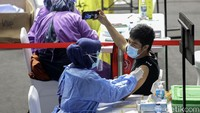Pengusaha Sebut Vaksinasi Mandiri untuk Zona Merah Lebih Dulu