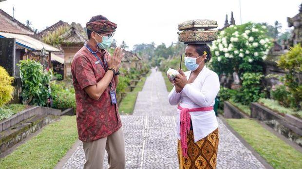 Sandiaga Uno di Desa Penglipuran, Bali.