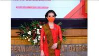 Gaya Selvi Ananda Berkebaya Glamor di Pelantikan Gibran Jadi Wali Kota Solo