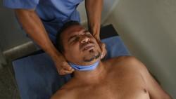 Terapi kesehatan dilakukan bagi pasien COVID-19 yang telah sembuh. Di Venezuela, terapi kesehatan sebagian besar dilakukan dengan pengobatan alternatif.