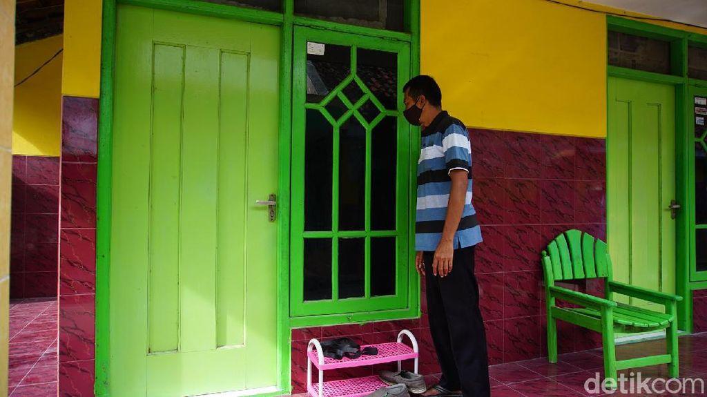 Ini yang Disita Densus 88 Antiteror Saat Ciduk Terduga Teroris di Mojokerto