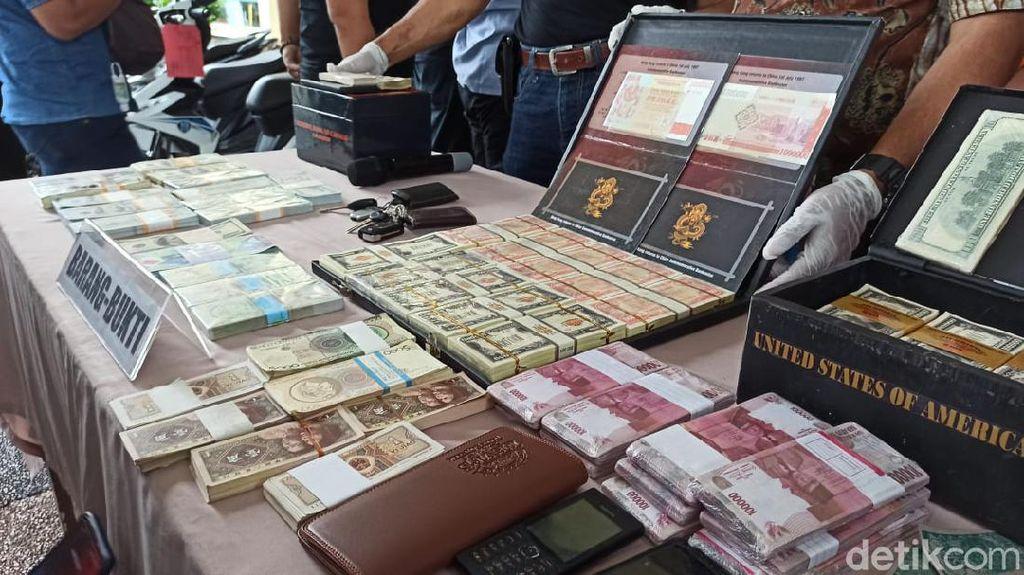 Rp 2,8 Triliun Uang Asing Palsu Diedarkan di Jatim dan Jabar