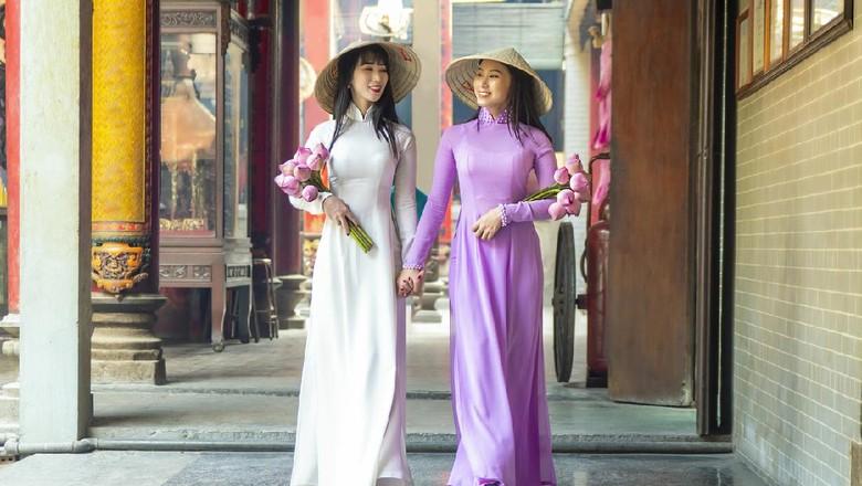 pakaian tradisional wanita vietnam