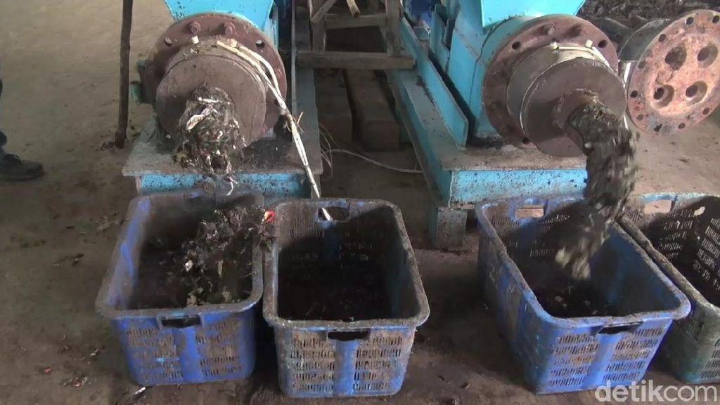 Mesin Ini Bisa Makan Sampah dan Diubah Jadi Briket
