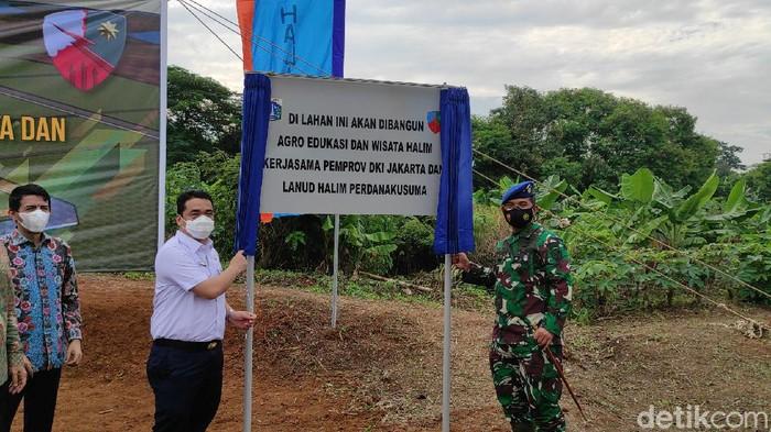 Wagub DKI Jakarta Riza Patria hadiri groundbreaking agrowisata di Kawasan Lanud Halim Perdanakusuma