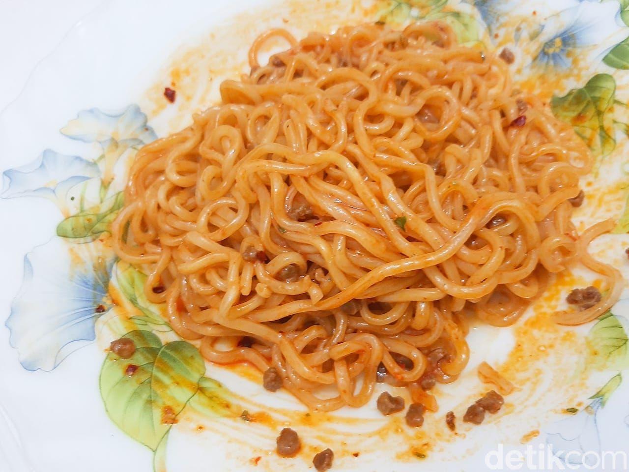 indomie mieghetti rasa spaghetti bolognese