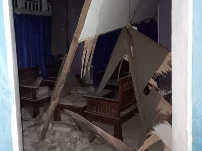 Kerusakan bangunan akibat gempa Halmahera Selatan