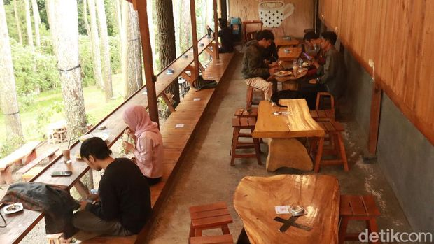 Kedai kopi asyik di Bandung