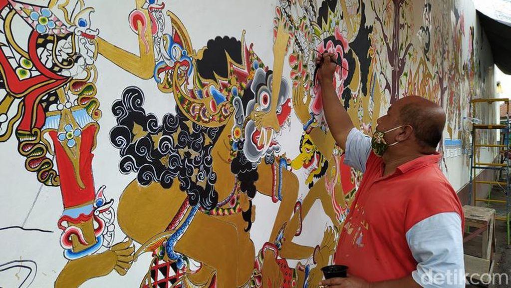 Melihat Lukisan Mural Wayang di Muntilan yang Sarat Makna Filosofi