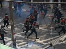 1 Wanita Tewas Tertembak Saat Polisi Myanmar Bubarkan Demonstran Antikudeta