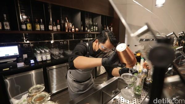Restoran Sadrasa juga punya bar yang akan memanjakanmu dengan minuman-minuman signature. (Bonauli/Mimo/detikcom)