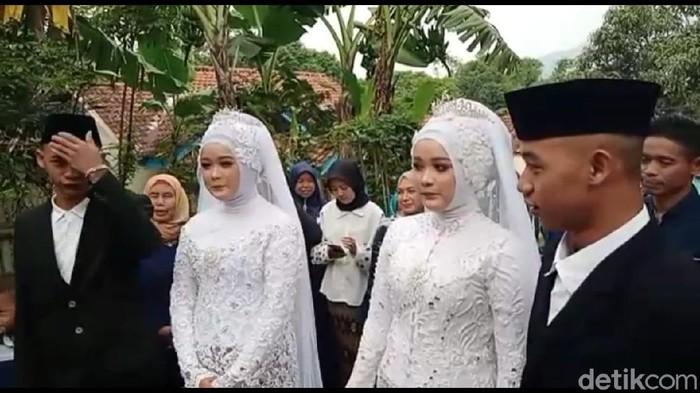 Sepasang Kembar Menikah di Sumedang