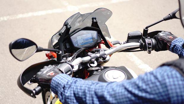 Test ride Moto Guzzi V85TT