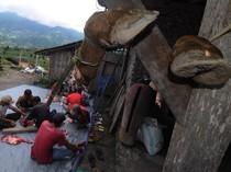 Warga Kaki Gunung Merapi Gelar Tradisi Potong Sapi