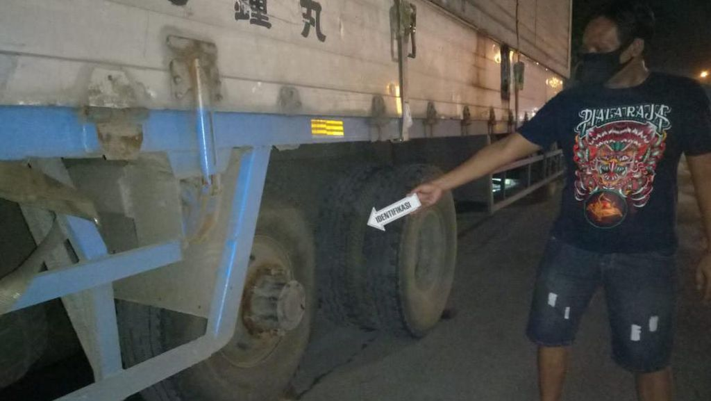Tukang Tambal di Tuban Tewas Setelah Ban Truk yang Ditambalnya Meledak