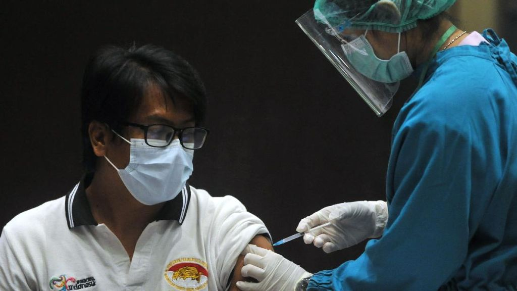 Vaksinasi COVID-19 Sasar Pekerja Pariwisata di Bali