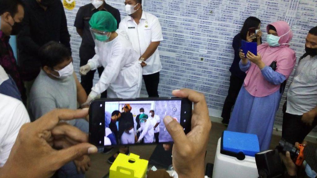 Sehari Setelah Dilantik, Bobby Nasution Cek Kegiatan Vaksinasi COVID di Medan