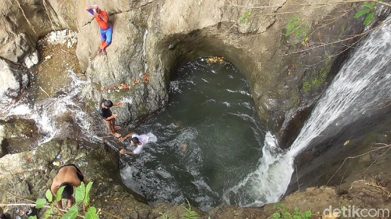 Air terjun Cinta