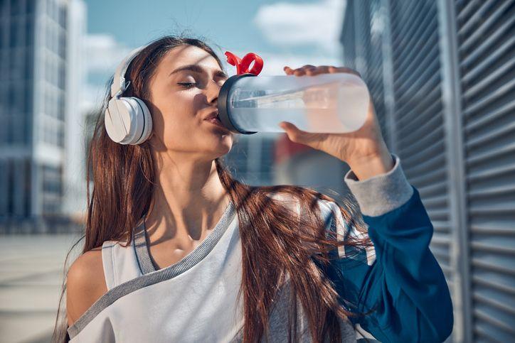 Apa yang Terjadi Jika Sehari Minum 3 Liter Air? Ini 5 Faktanya