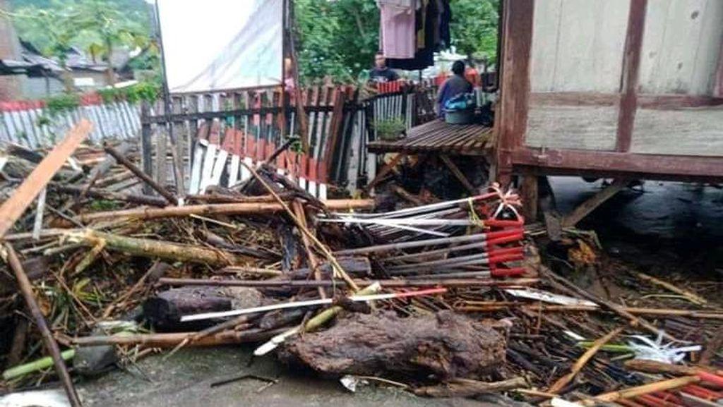 Banjir Bandang di Dompu NTB, 36 Rumah Hanyut