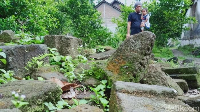 Bebatuan candi di Klaten yang dikumpulkan warga