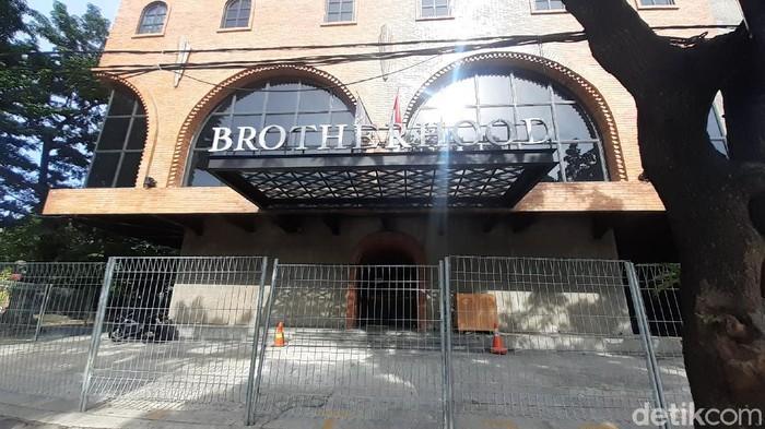 Disegel aparat, kafe Brotherhood Jaksel dipasang garis polisi