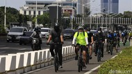 Jalur Sepeda di Jakarta Ramai Dilintasi Warga Saat Akhir Pekan