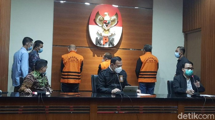Jumpa pers OTT KPK terhadap Gubernur Sulsel, Nurdin Abdullah, 28 Februari 2021 dini hari. (Fathan/detikcom)