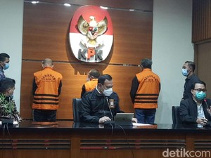 Nurdin Abdullah Pakai Rompi Oranye Dipamerkan KPK