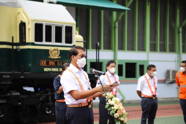 Peluncuran lokomotif CC 201 dengan livery vintage ini diresmikan oleh Direktur Utama KAI Didiek Hartantyo di Balai Yasa Yogyakarta. (dok KAI)