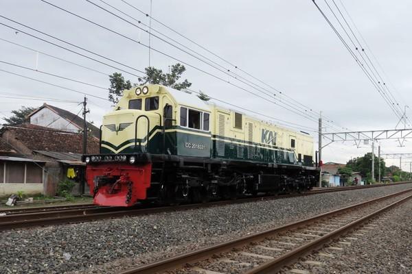 Livery Vintagememiliki 2 bogie dimana masing-masing bogie memiliki 3 gandar penggerak dengan total 6 motor traksi sehingga lokomotif ini dapat dioperasikan pada lintas datar maupun pegunungan.(dok KAI)
