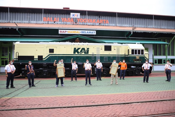 Livery ini digunakan sejak KAI masih bernama Djawatan Kereta Api (DKA), Perusahaan Negara Kereta Api (PNKA) sampai dengan Perusahaan Jawatan Kereta Api (PJKA). (dok KAI)