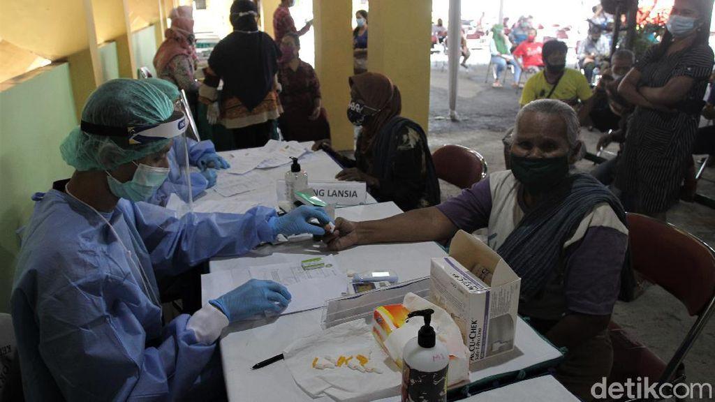 Pedagang Pasar Beringharjo Bersiap Jalani Vaksinasi COVID-19