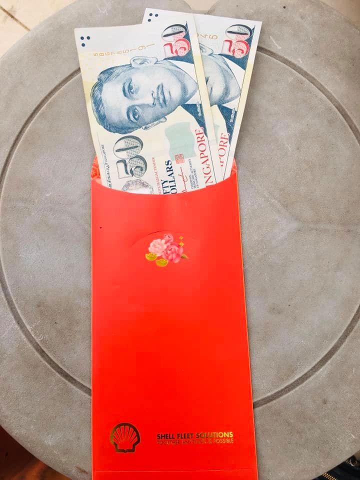 suka minta sisa makanan, nenek ini dapat uang rp 1 juta