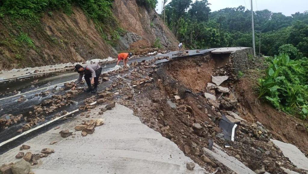 Akibat Hujan Deras, Kecamatan Balusu di Sulsel Dilanda Banjir-Tanah Longsor