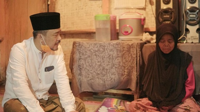 Wabup Tasikmalaya Deni Sagara saat bertemu warga (Foto: dok pribadi Deni Sagara)
