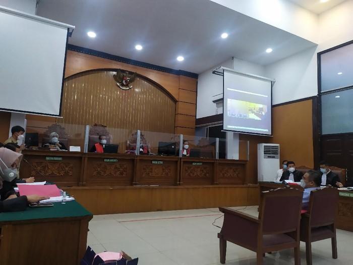 Sidang kebakaran gedung Kejaksaan Agung di Pengadilan Negeri Jakarta Selatan, Jalan Ampera Raya, Jakarta Selatan, Senin (1/3/2021).