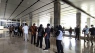 Vaksinasi Corona di DPR, Anggota Dewan-Petugas Kebersihan Ikut Disuntik