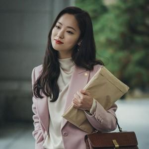 Mewah di Vincenzo, Ini 9 Harga Busana Jeon Yeo Bin Si Pengacara Cantik