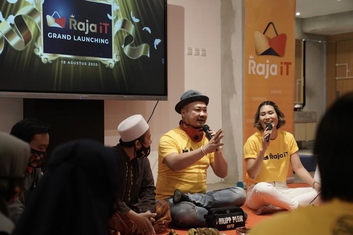 Basuki Surodjo, pengusaha nasional dengan julukan Raja IT yang juga merupakan Ketua HIPMI Jakarta Barat