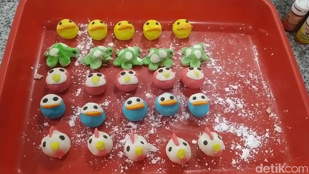 Bikin Gemas! Bakpao dan Cilok Hello Kitty dan Angry Bird dari Cianjur