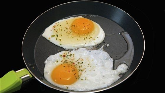 Cara Memasak Telur Mata Sapi Tanpa Minyak, Diganti dengan Air!