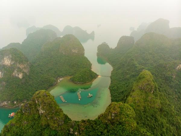 Desa Cua Van berjarak enam jam perjalanan dari Hanoi. (Getty Images/iStockphoto)