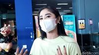 Dewi Perssik Murka Ada Netizen Menyebutnya Pelakor hingga Tunjukkan Alat Kelamin