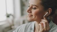 Pinjam Meminjam Earphone Bisa Tularkan COVID-19? Ini Kata Para Ahli