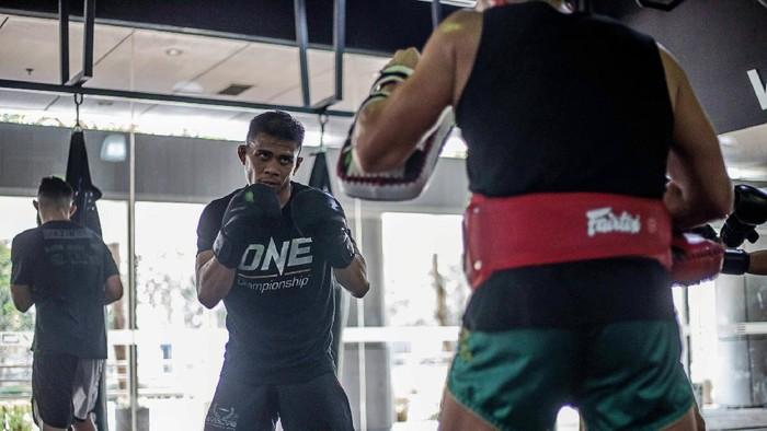 Eko Roni Saputra berlatih di Evolve MMA, Singapura