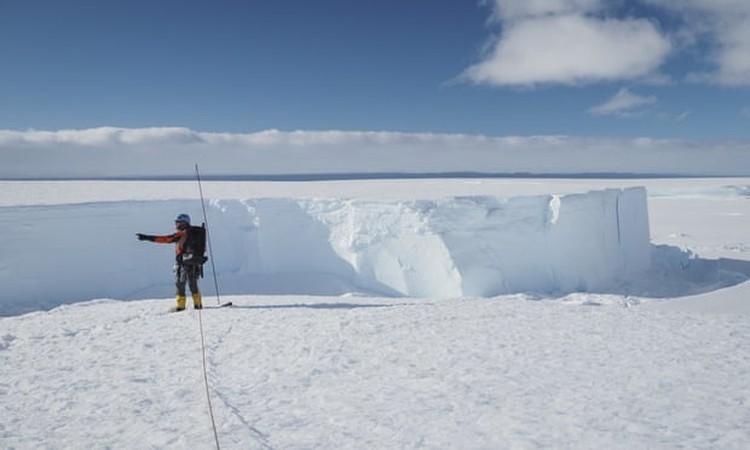 Gunung Es Antartika