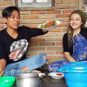 Kata Pria Lombok yang Viral Ajak Bule Cantik Tinggal di Gubuk Pascamenikah